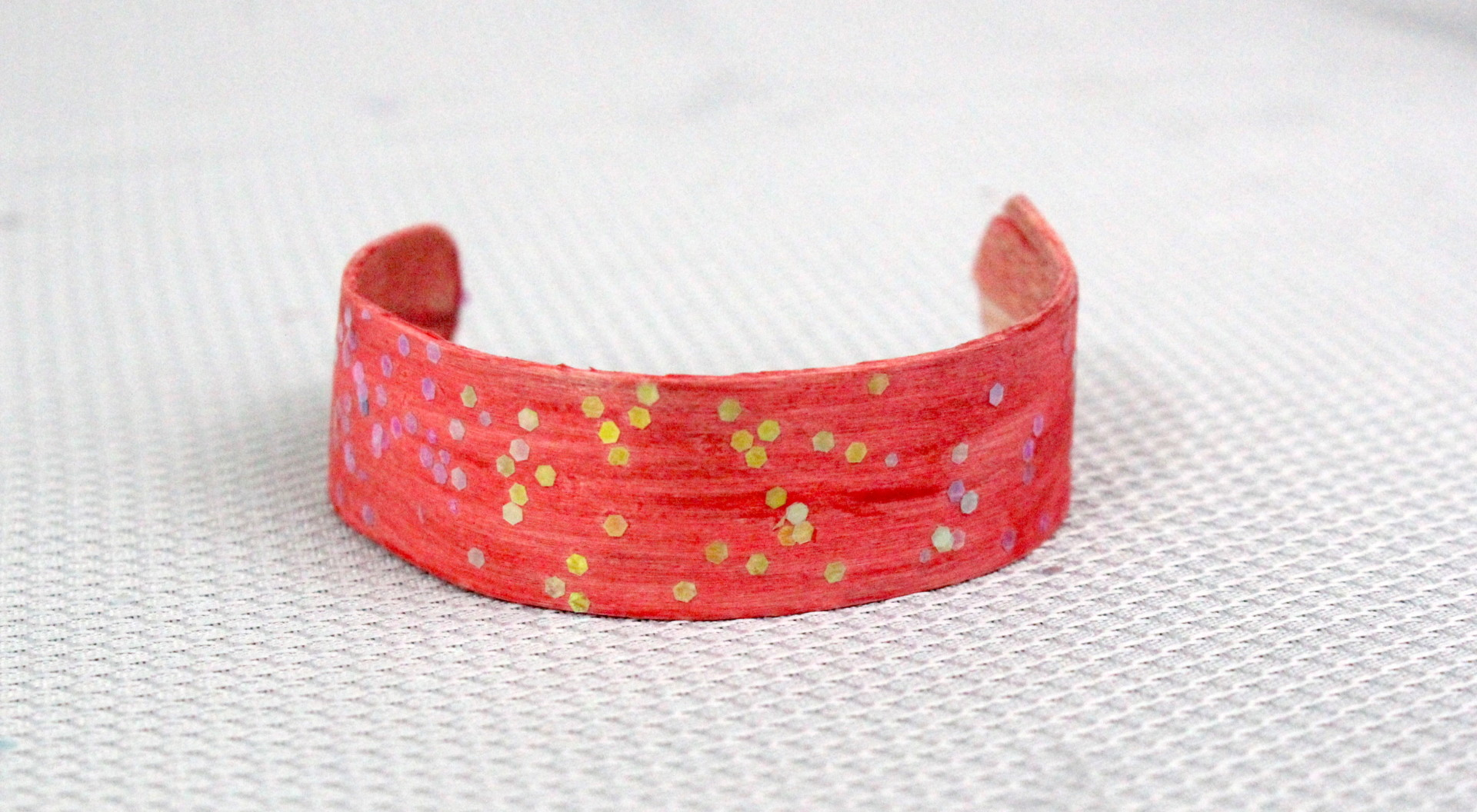 Easy DIY Kids Bracelet from a Craft Stick