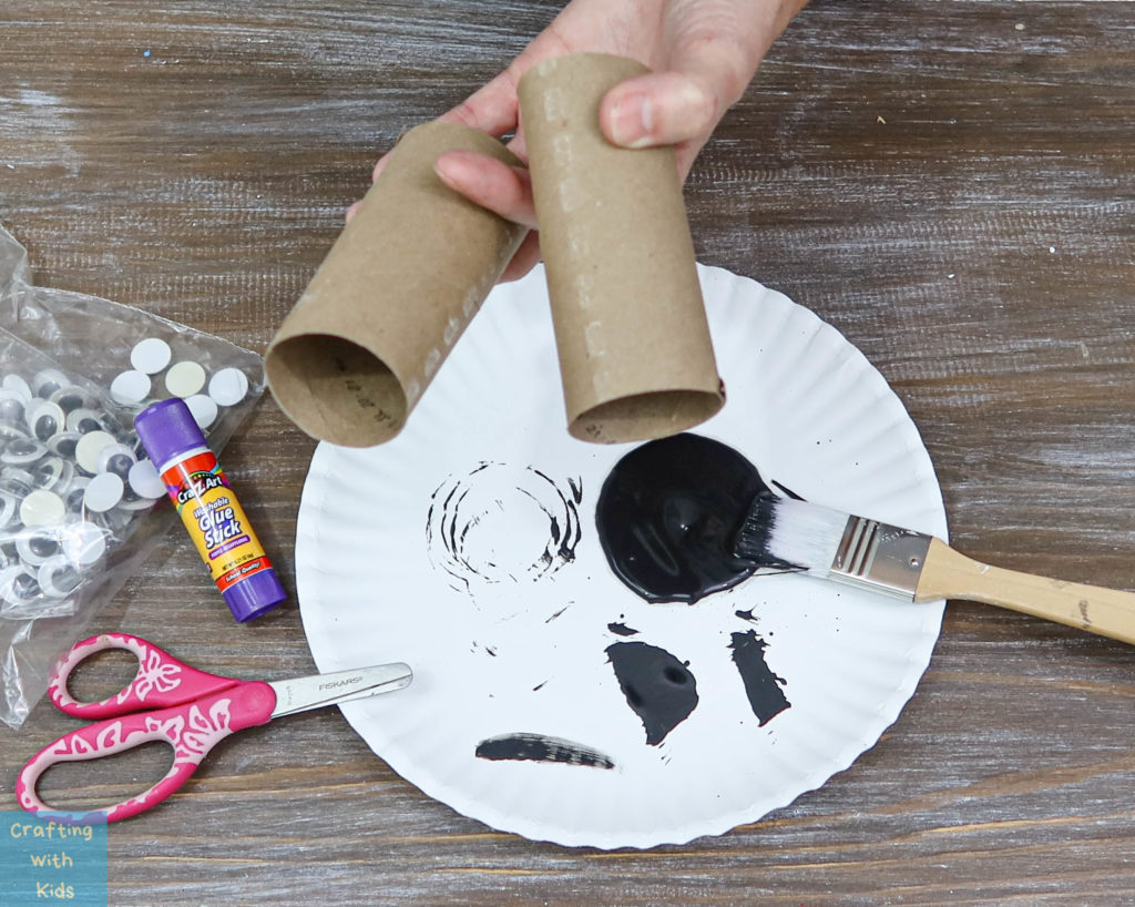 toilet paper tubes to make Spiders