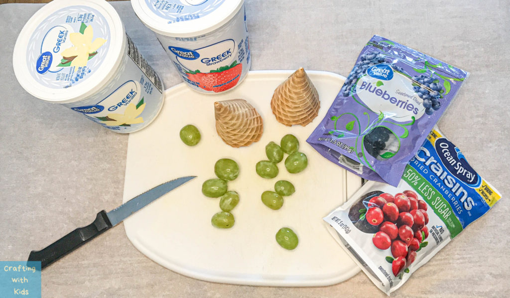 Healthy Edible Christmas Trees with Greek Yogurt and Fruit ingredients