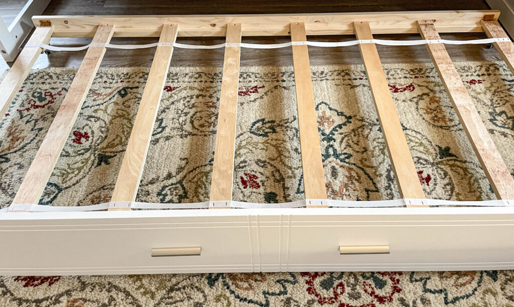 trundle bed in bunk bed